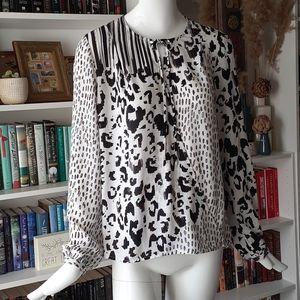 🔥3/30$  CAbi animal print blouse